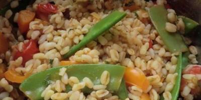 Sonnenweizen mit frischem Gemüse