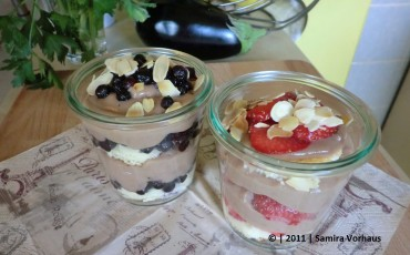 Heidelbeer-Trifle mit Wiskey-Sahne