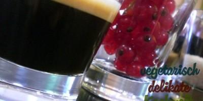 Espresso und Johannissbeeren