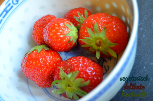 Erdbeer-Holunder-Nachtisch