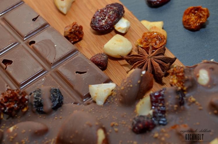 Beeren-Nuss-Schokolade