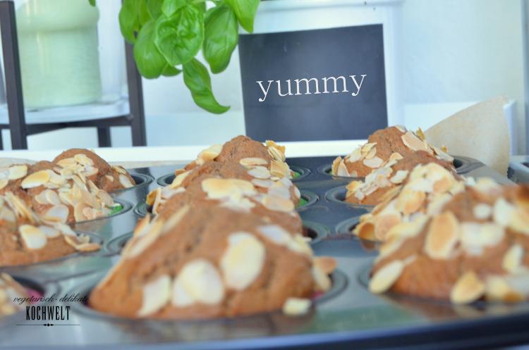 Muffinblech und Kräuter