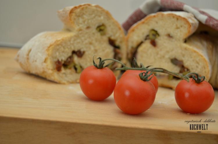 Hefezopf mit Olivenfüllung
