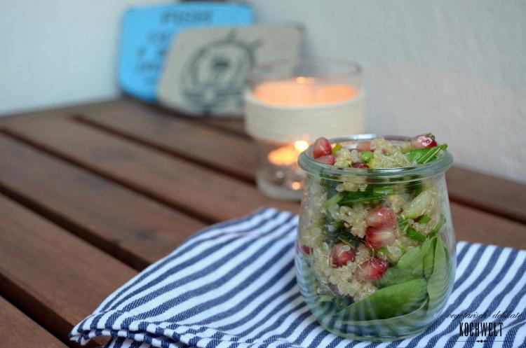 Picknick-Salat aus Quinoa, Erbsen und Granatapfel