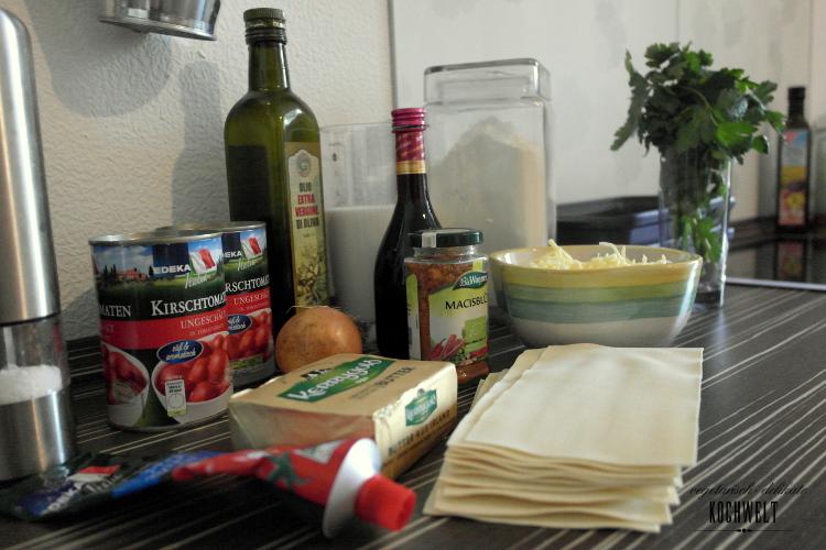 bereitgestellte-Zutaten-für-vegetarische-Lasagne