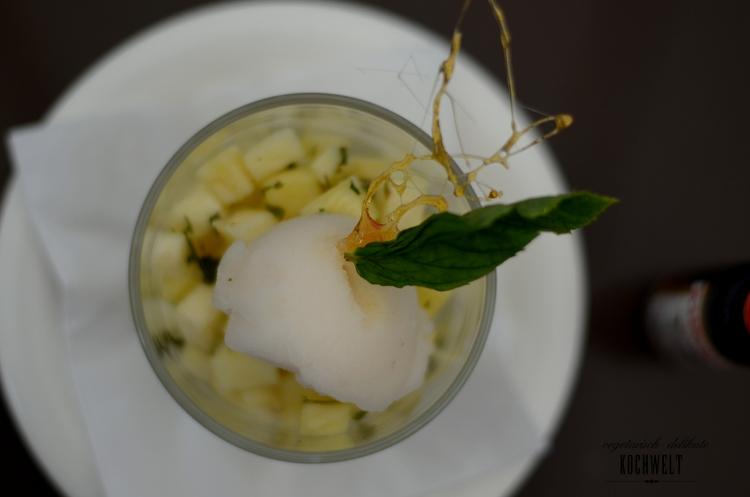 Nachtisch Grüntee-Sorbet mit Obstsalat