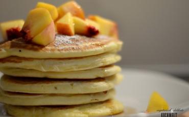 Pancakes mit Pfirsichen