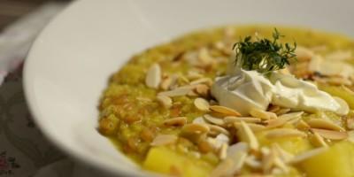 Linsen-Dinkel-Curry mit Ananas und Mandeln