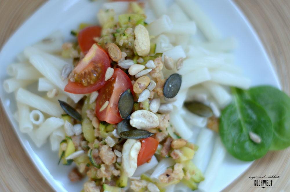 weiße Bolognese zu Quinoa-Pasta