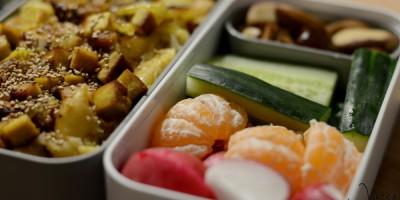 Wirsing-Pfanne mit Schupfnudeln und gebratenem Tofu
