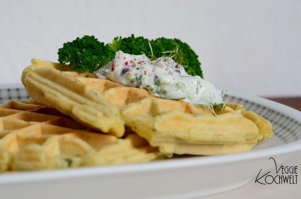 Brokkoli-Waffeln mit Brokkoli-Kräuterquark