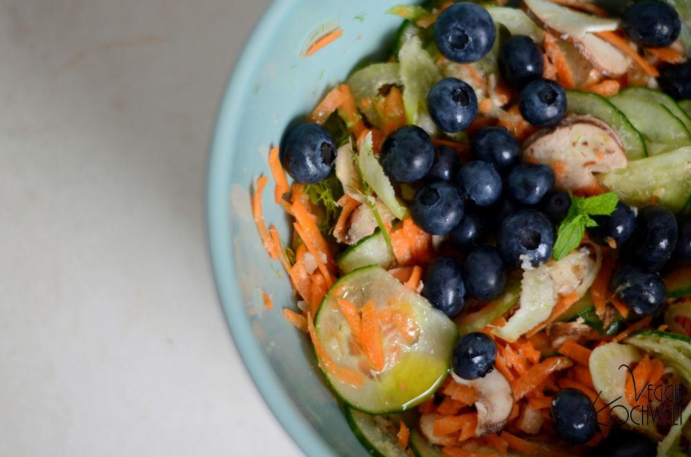 Gefüllte Blätterteigtaschen zu Salat und die Trommelreibe Transforma inkl. Gewinnspiel