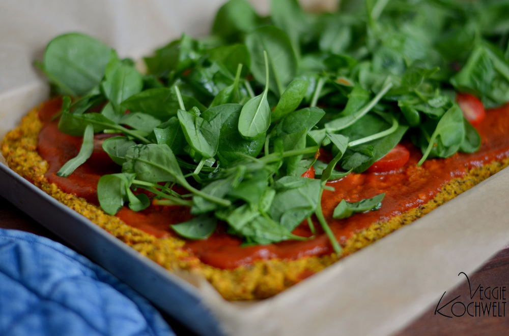 k rbis pizza mit spinat und tomate veggiekochwelt. Black Bedroom Furniture Sets. Home Design Ideas