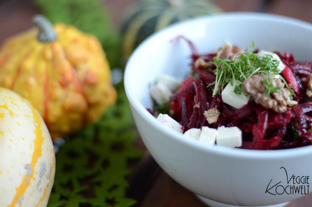 Mädchenküche-8-Rote Beete Salat mit getrockneten Pflaumen und Fetakäse