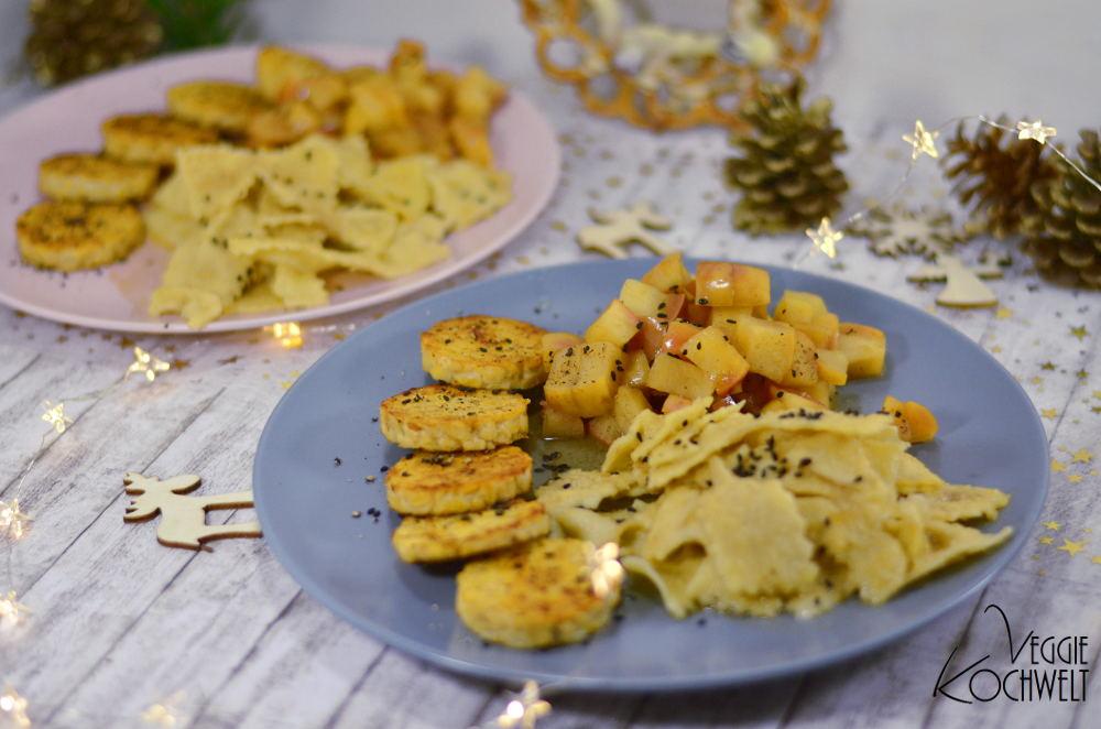 Selbstgemachte Mandel-Butter-Pasta mit Apfelragout und gebratenem Tempeh